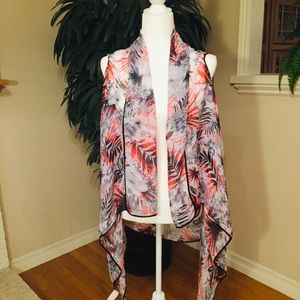 Accessories - PASSION FOR FASHION RED & BLACK FLORAL WRAP SZ L